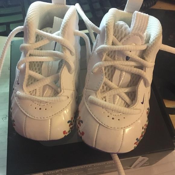 half off 67920 d6d94 Nike Infant Foamposite fruity pebbles. M 5a46892f331627eff711b06b